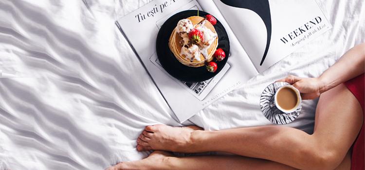 3 idei salvatoare si rapide pentru un mic dejun la pat